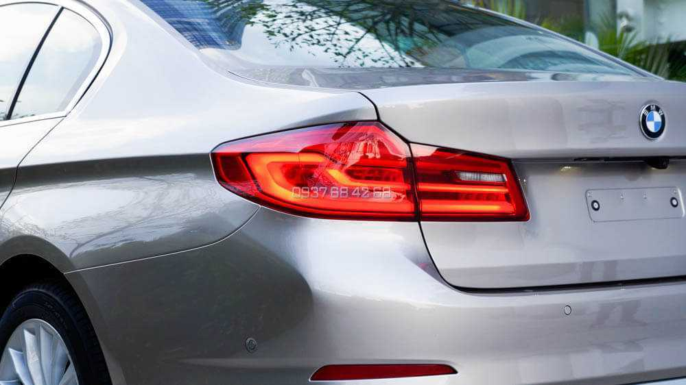 giá xe BMW Series 5 (BMW 520i và BMW 530i)