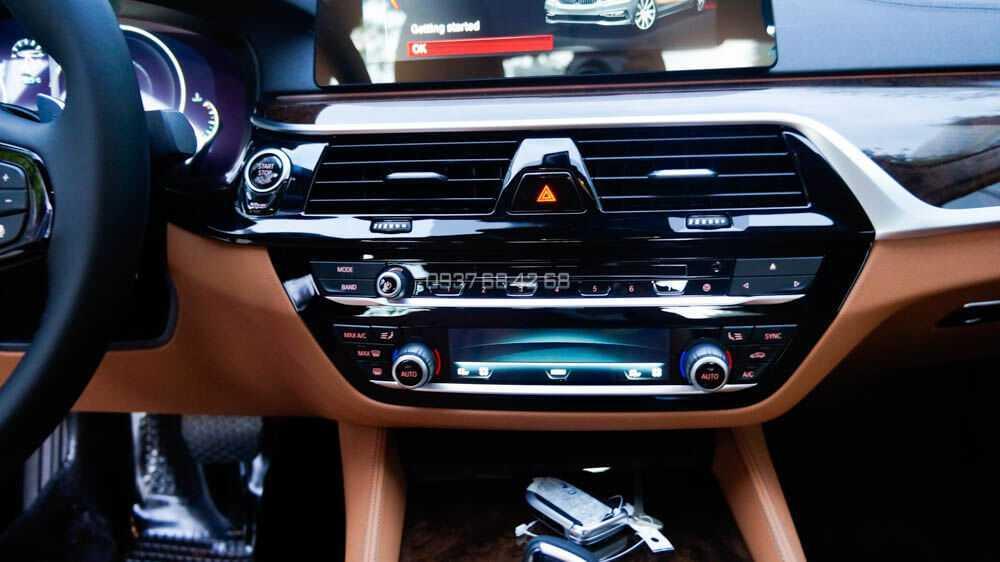 giá BMW 530i