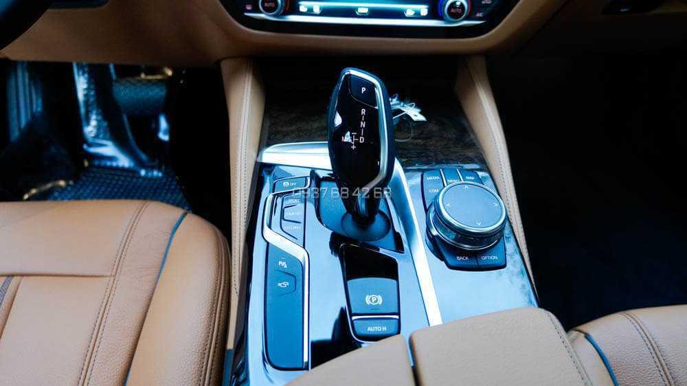 giá xe BMW 530i
