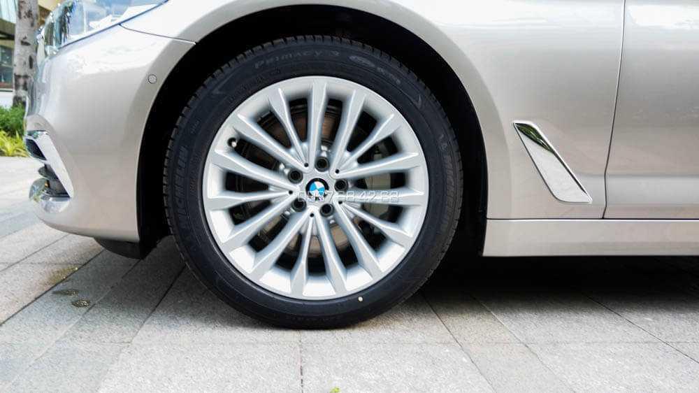 mâm xe BMW 530i