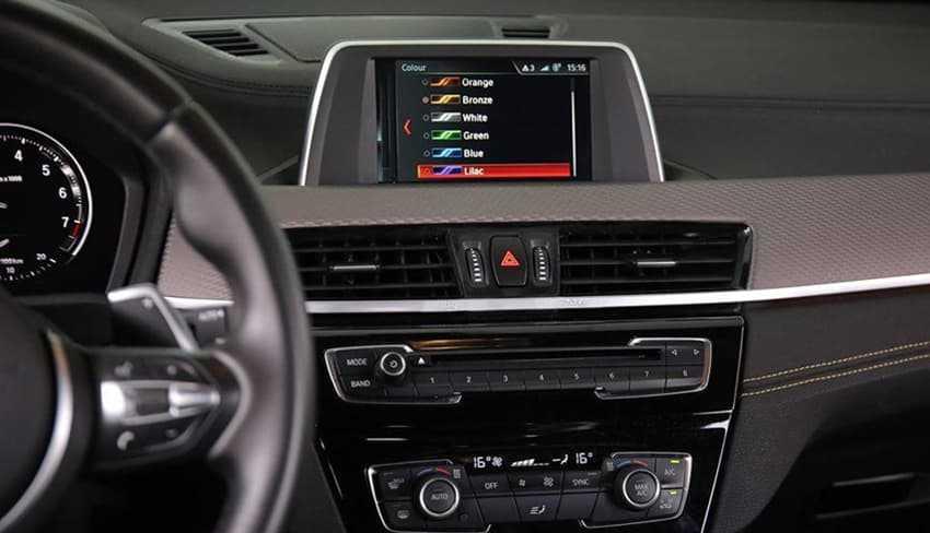 So sánh tiện nghi và an toàn BMW X2 và Mercedes-Benz GLA